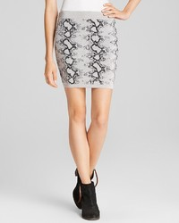 Skirt snakeskin pattern medium 118985