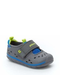 Stride Rite Made2play Phibian Sneaker