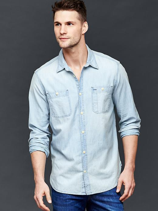 465160552bc ... Gap 1969 Icon Worker Bleached Chambray Shirt ...