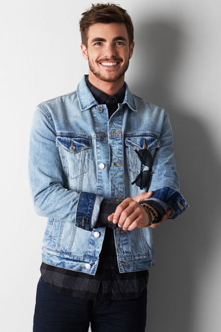 4fb286acd7ac ... American Eagle Outfitters Vintage Denim Jacket