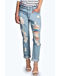 Boohoo Sara Relaxed Fit Boyfriend Light Wash Jeans