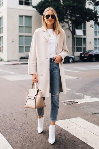 Abrigo beige y azul