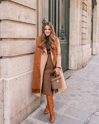 Intenta combinar un abrigo beige con una falda a cuadros para el after  office. Para 205d6ce1de01