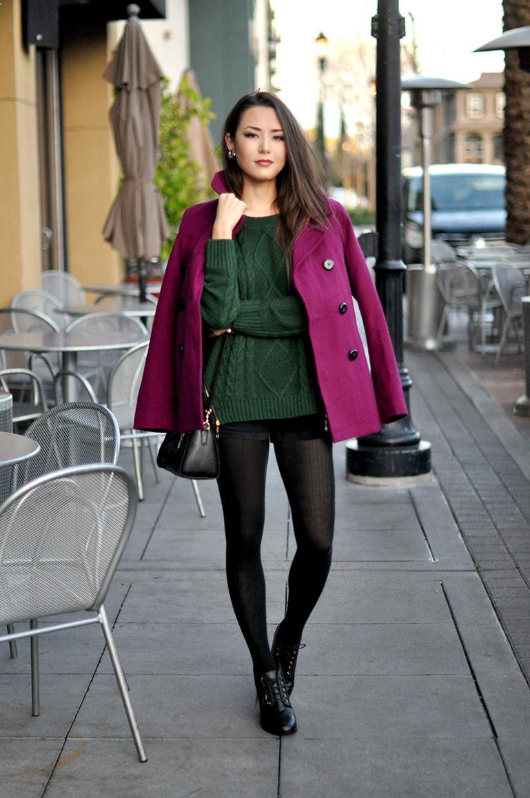 Outfits con abrigo morado