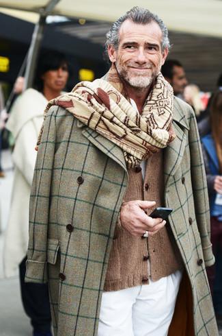 Abrigo largo gris cardigan marron pantalon chino blanco large 969