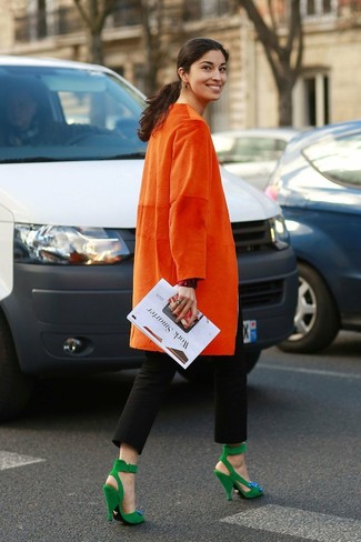 Abrigo naranja de Moschino Cheap & Chic