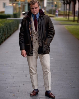 Dark Brown Barn Jacket Outfits: Rock a dark brown barn jacket with beige dress pants to exude class and refinement. The whole getup comes together perfectly when you introduce dark brown leather loafers to your look.