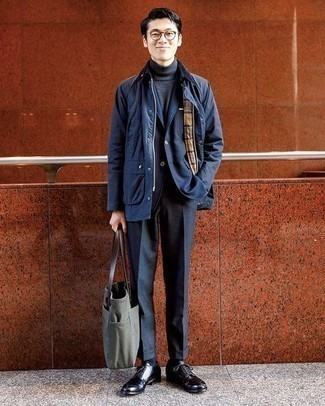 Jacket Outfits For Men: This combo of a jacket and a navy blazer is a safe option when you need to look dapper in a flash. A great pair of black leather derby shoes is a simple way to add a little kick to the ensemble.