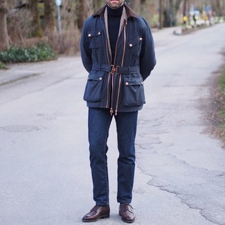 Barn Jacket Outfits: This sharp outfit is super simple: a barn jacket and navy jeans. Puzzled as to how to finish off your ensemble? Wear a pair of dark brown leather derby shoes to amp it up.