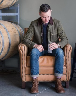 Olive Barn Jacket Outfits: An olive barn jacket and navy jeans are great menswear staples that will integrate perfectly within your day-to-day casual collection. For something more on the sophisticated end to round off this outfit, complete this look with brown leather casual boots.