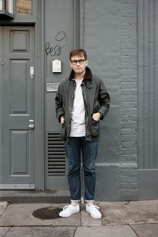 Jacket Outfits For Men: Fashionable and comfortable, this off-duty pairing of a jacket and navy jeans brings variety. A pair of white canvas low top sneakers integrates smoothly within a myriad of outfits.