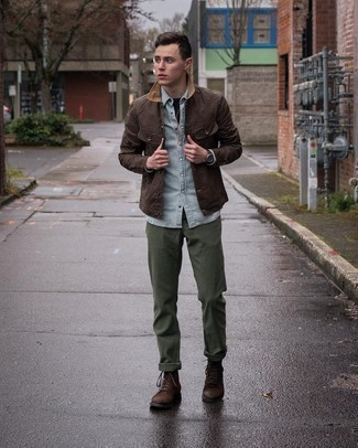 Men's Outfits 2021: Marrying a dark brown barn jacket with olive chinos is an awesome pick for a casual yet sharp getup. Bump up the fashion factor of your ensemble by finishing with dark brown suede casual boots.