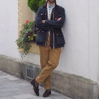 White Print Scarf Outfits For Men: A navy barn jacket and a white print scarf are the kind of a never-failing casual outfit that you need when you have zero time. A pair of dark brown suede tassel loafers easily kicks up the fashion factor of any look.