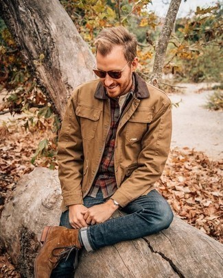 Tan Barn Jacket Outfits: Wear a tan barn jacket with navy jeans for a laid-back look with a contemporary spin. Take a more polished approach with footwear and add brown suede casual boots to the equation.