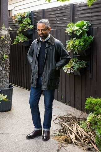 Charcoal Barn Jacket Outfits: Here, the cool-kid casual style translates to a charcoal barn jacket and navy jeans. Make this outfit a bit smarter by rounding off with burgundy leather chelsea boots.