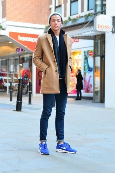 Beanie Crew Neck T Shirt Scarf Pea Coat Skinny Jeans