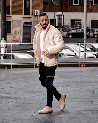 How to Wear Beige Suede Chelsea Boots For Men: A beige fleece bomber jacket and black skinny jeans are an easy way to introduce played down dapperness into your daily arsenal. Beige suede chelsea boots are guaranteed to inject an extra touch of style into your ensemble.