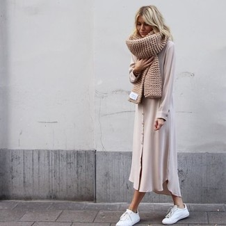 How to Wear a Beige Knit Scarf For Women: If you're looking for a casual yet incredibly chic look, reach for a beige chiffon shirtdress and a beige knit scarf. A pair of white leather low top sneakers will be the perfect complement to this outfit.