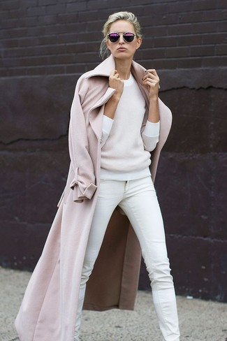 A nude coat with white skinny jeans has become an essential combination for many style-conscious girls.