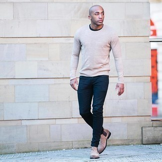 Beige Crew-neck Sweater Outfits For Men: Dress in a beige crew-neck sweater and navy skinny jeans if you seek to look cool and casual without making too much effort. Up this outfit by finishing with a pair of beige suede chelsea boots.