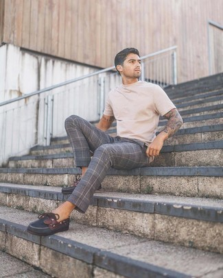Boat Shoes Outfits: This combo of a beige crew-neck t-shirt and grey plaid chinos spells casual cool and stylish comfort. Complement this look with boat shoes for an added touch of class.