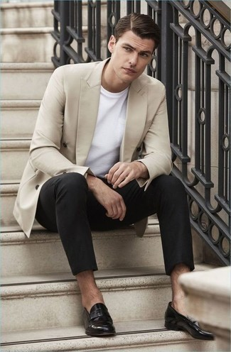 How to Wear a Beige Double Breasted Blazer For Men: For an effortlessly smart menswear style, rock a beige double breasted blazer with black chinos — these pieces go nicely together. Clueless about how to finish off this getup? Round off with black leather loafers to ramp it up a notch.