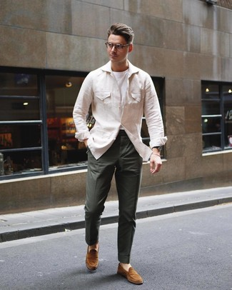How to wear: beige linen field jacket, white crew-neck t-shirt, dark green chinos, tobacco suede loafers