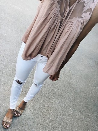 How to wear: beige sleeveless top, white ripped skinny jeans, tan leather wedge sandals