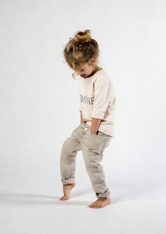 How to wear: beige sweater, beige jeans