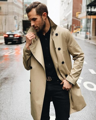 How to wear: beige trenchcoat, black dress shirt, black skinny jeans, black leather belt