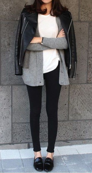 How to Wear Black Leather Loafers For Women: Try teaming a black leather biker jacket with black skinny jeans for a relaxed outfit with a modern take. Rev up this whole look by slipping into black leather loafers.