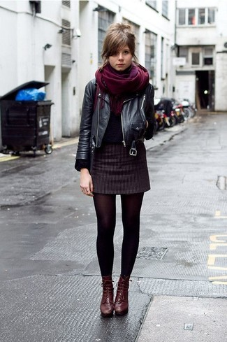 A black leather biker jacket and a burgundy scarf is a good combination to add to your casual lineup. And if you want to instantly up the style ante of your look with one piece, add burgundy leather lace-up ankle boots to the equation. This look is an excellent choice when it comes to a comfortable transition outfit.
