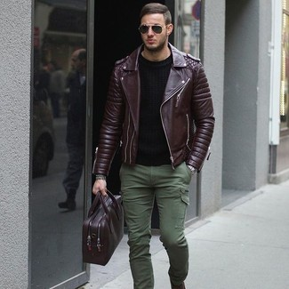 Wear a leather jacket and olive green cargo pants for a laid-back yet fashion-forward outfit. Keep the autumn blues away in a killer outfit like this one.