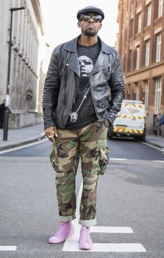 How to Wear a Black and White Crew-neck T-shirt For Men: A black and white crew-neck t-shirt and olive camouflage cargo pants are a wonderful combo to add to your off-duty lineup. If you're puzzled as to how to finish, complement this ensemble with pink canvas high top sneakers.