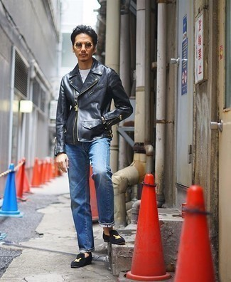 Blue Jeans with Black Leather Jacket Outfits For Men: This casual combination of a black leather jacket and blue jeans is capable of taking on different moods depending on the way you style it. Introduce a pair of navy embroidered velvet loafers to the mix for a hint of polish.