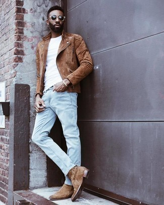 500+ Casual Outfits For Men: Beyond dapper and functional, this casual combo of a brown suede biker jacket and light blue jeans provides with variety. Tap into some Idris Elba stylishness and lift up your look with a pair of brown suede chelsea boots.