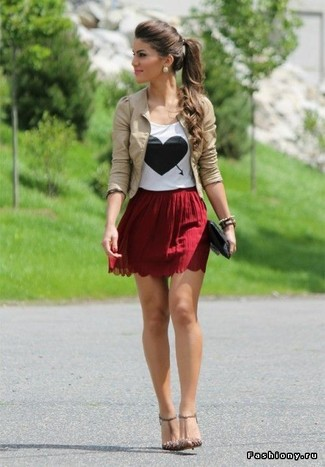 Burgundy Pleated Mini Skirt Outfits: This pairing of a beige leather biker jacket and a burgundy pleated mini skirt makes for the perfect foundation for a myriad of chic outfits. Why not add beige leather heeled sandals to the equation for an extra touch of chic?