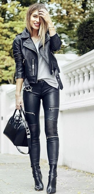 A women's Twist Front Tee and black leather skinny jeans is a great pairing to impress your crush on a date night. With shoes, go down the classic route with black leather ankle boots. Needless to say, a look like this will keep you warm and stylish throughout the season.