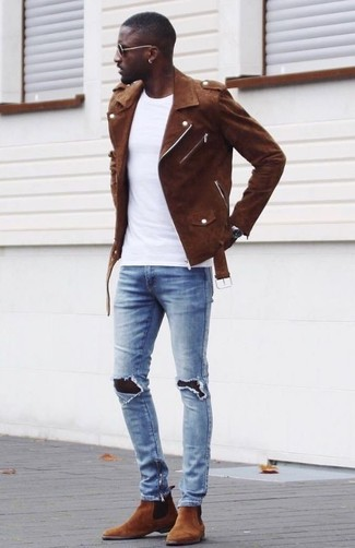 How to wear: brown suede biker jacket, white crew-neck t-shirt, light blue ripped skinny jeans, brown suede chelsea boots