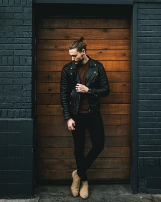 Tan Suede Chelsea Boots with Black Jeans Outfits For Men: Pair a black quilted leather biker jacket with black jeans for a fashionable and easy-going look. Rounding off with a pair of tan suede chelsea boots is an easy way to add a little zing to this ensemble.