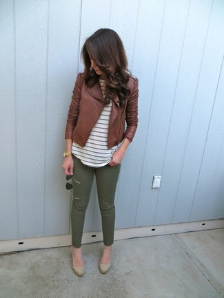 How to wear: brown leather biker jacket, white horizontal striped crew-neck t-shirt, olive skinny pants, tan suede pumps