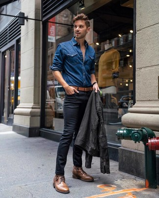 How to wear: charcoal suede biker jacket, blue denim shirt, black skinny jeans, brown leather casual boots