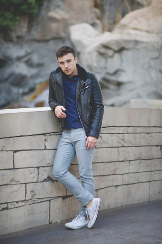 Henley Shirt Outfits For Men: A henley shirt and grey jeans are a great look to keep in your closet. If you're hesitant about how to round off, a pair of white canvas low top sneakers is a smart option.