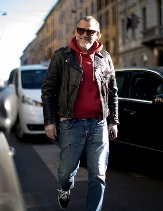 How to Wear Burgundy Sunglasses For Men: Marrying a black leather biker jacket and burgundy sunglasses will hallmark your expertise in men's fashion even on weekend days. For extra style points, complete your getup with a pair of black and white canvas low top sneakers.