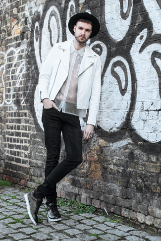 How to wear: white leather biker jacket, white short sleeve shirt, black skinny jeans, black leather low top sneakers