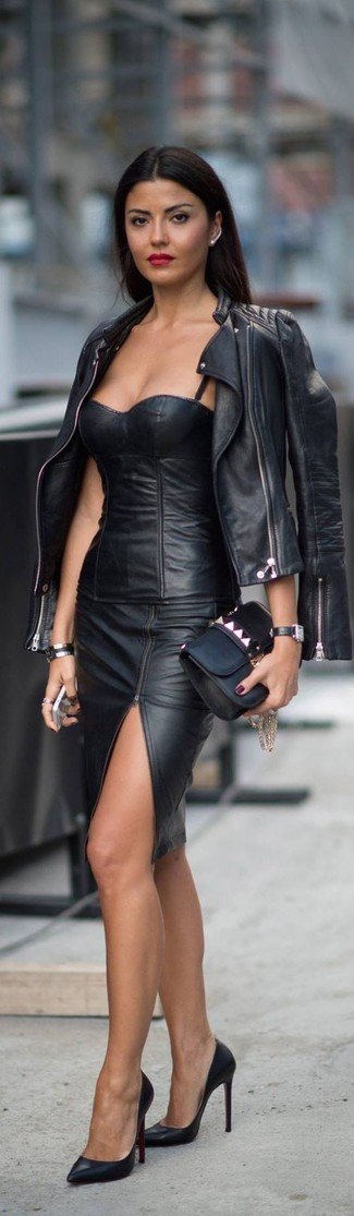 This combo of a black quilted leather moto jacket and a black slit leather pencil skirt is a safe bet for an effortlessly cool look. Black leather pumps will instantly smarten up even the laziest of looks.