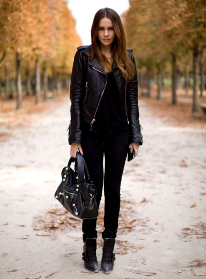 How To Wear Black Jeans With a Black Tank | Women's Fashion