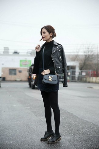 Black Oxford Shoes with Tights Outfits: If you're after a laid-back yet chic look, marry a black leather biker jacket with tights. Let your outfit coordination chops truly shine by complementing this look with a pair of black oxford shoes.