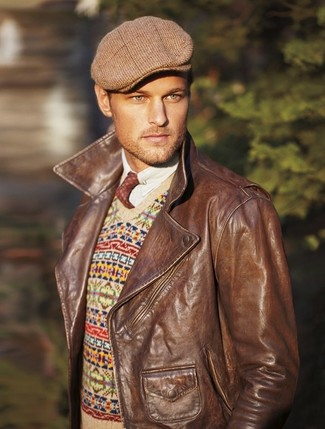 Brown Plaid Flat Cap Outfits For Men: For an ensemble that's super straightforward but can be manipulated in a myriad of different ways, go for a brown leather biker jacket and a brown plaid flat cap.