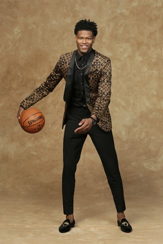 How to wear: black and gold blazer, black dress shirt, black dress pants, black embroidered velvet loafers